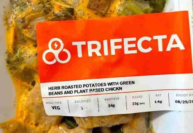 trifecta VEG packaging - plant based chicken